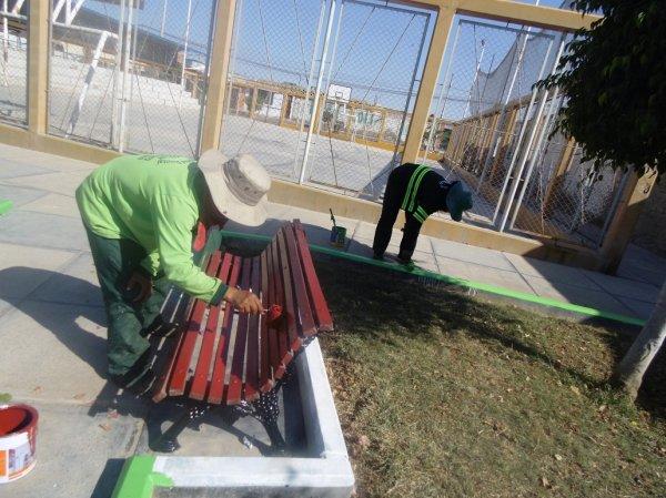 Municipio de pocollay continua con trabajos de for Trabajo de mantenimiento de jardines